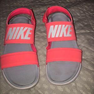 Nike sandals/slides
